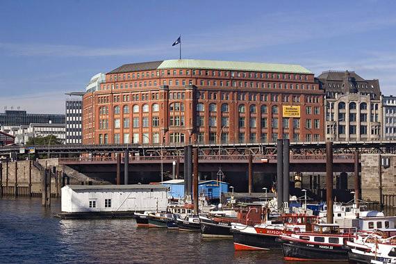 El puerto de Hamburgo y la Speicherstadt, Alemania
